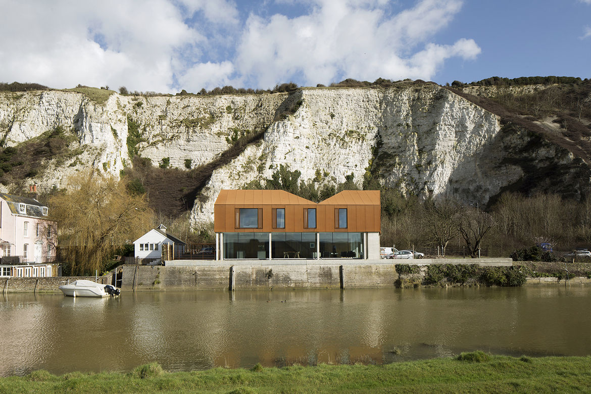Asymmetrical Cor-Ten house by a cliff in East Sussex