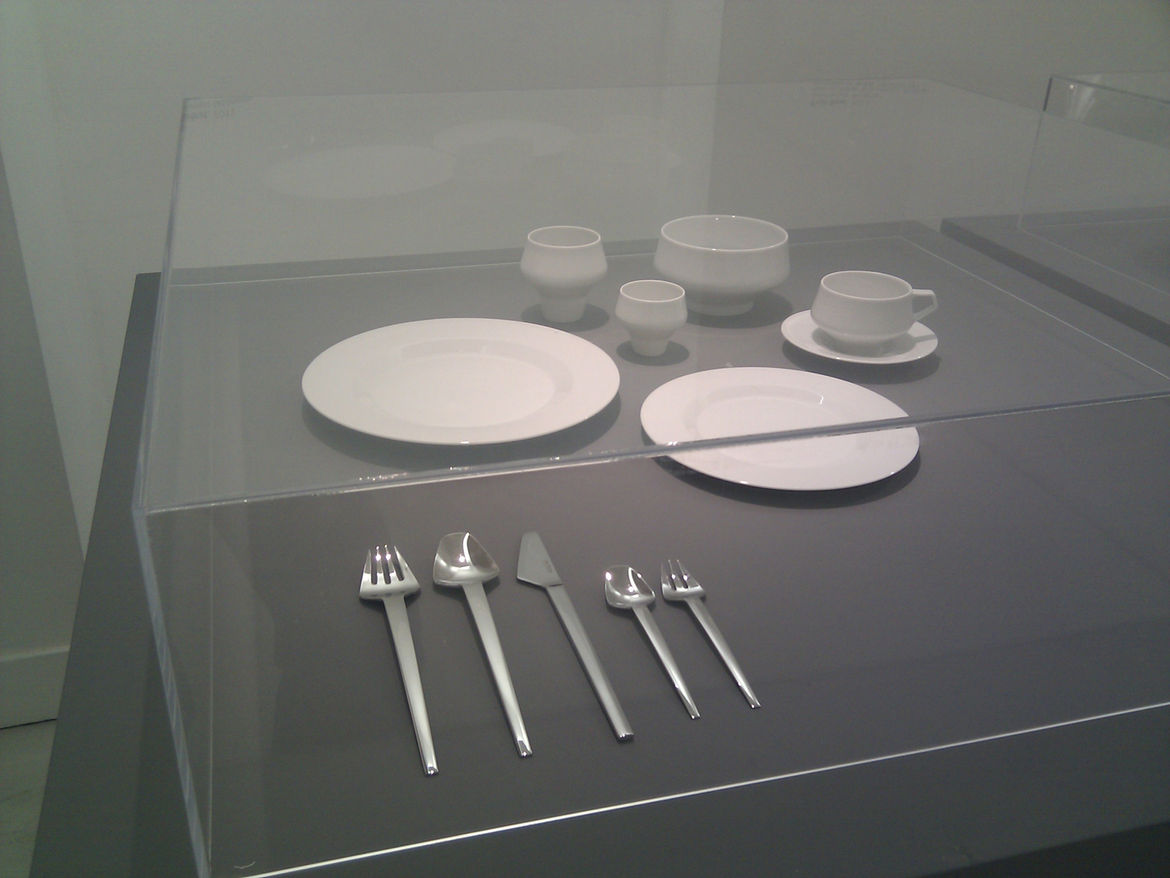 "<a href=""http://www.thomasfeichtner.com"">Feichtner</a>'s dishware features narrow, seemingly unstable bottoms but actually are quite stable."