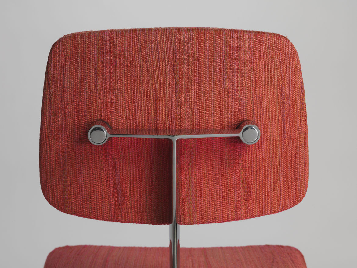 """Marga Hielle Vatter's Dynamic fabric upholsters Max Pearson's 46 chair from the 1970s. """"Knoll textiles became known for having a handwoven feeling to them, and early on, they did use hand weavers in the factory in Long Island City,"""" Makovsky says. """"Later"""