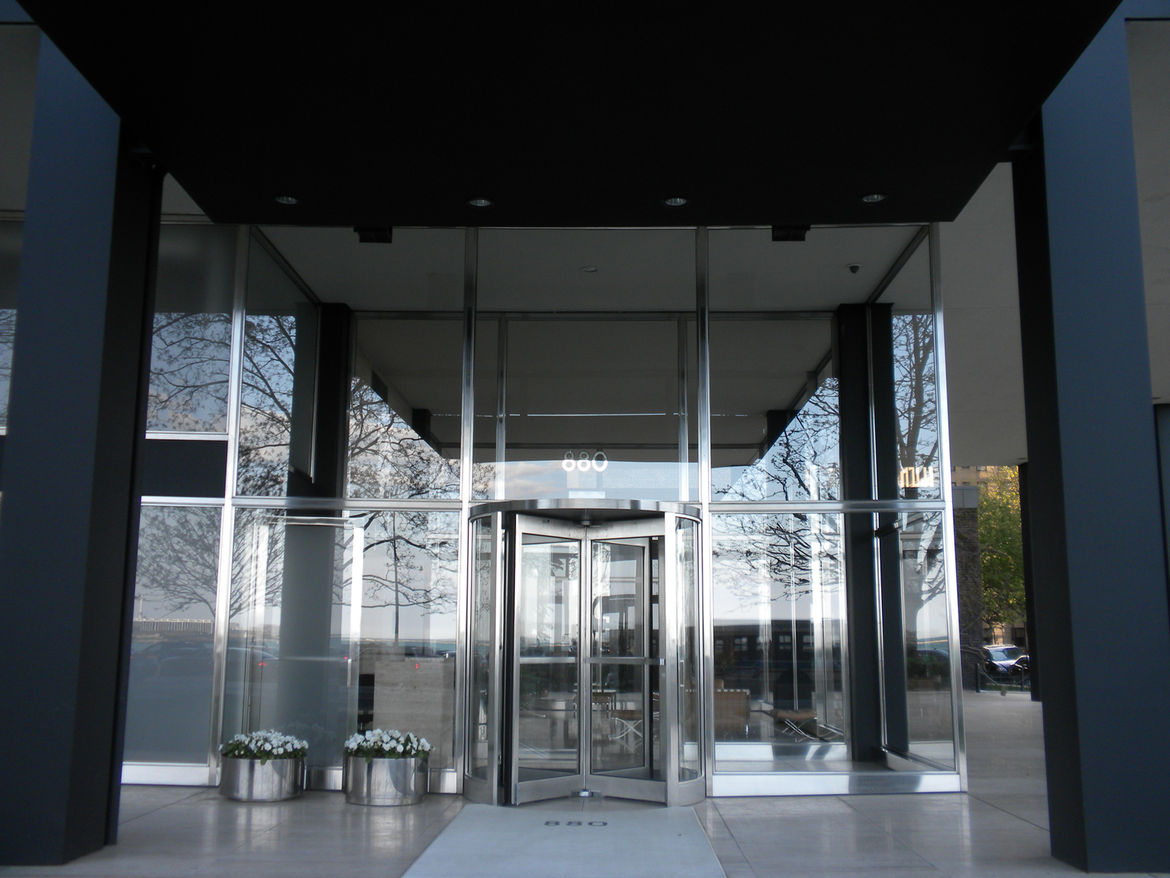 The entrance to 880 Lake Shore Drive.