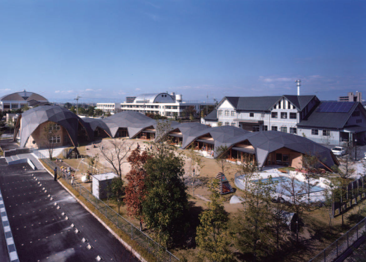 In the Shiga Prefecture of Japan, Endo Shuhei Architect Institute designed Bubbletecture M, this stunning kindergarten. Octagonal rooms are connected by concrete boxes, all of which are covered by a domed roof made of wooden beams and hexagonal metal fitt