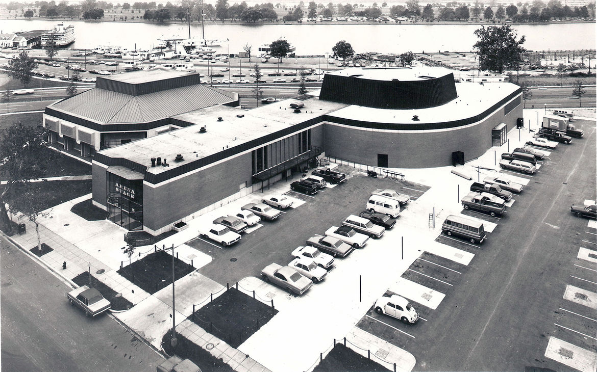 """Though one of America's foremost companies, the Arena suffered from challenges both programmatic and urbanistic. An administration building linking the two theaters """"made sense internally,"""" Thom explains, """"but separated the front doors to both houses—ther"""
