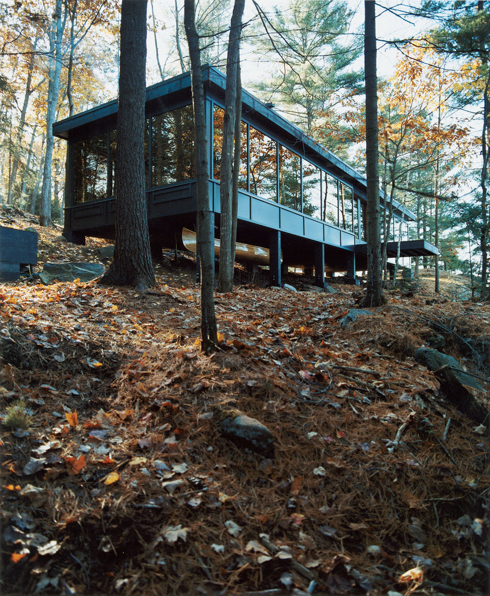 The Molenaars had to move everything uphill—164 sacks of concrete weighing 60 pounds each, Douglas fir beams, two woodstoves, reclaimed windows, and the massive stainless steel Wolf gourmet stove. The couple considered hoisting material up to a deck befor