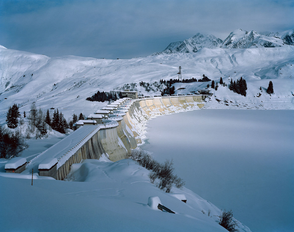 La Girotte dam in winter