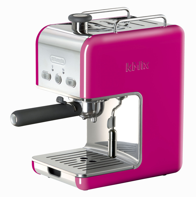 The espresso maker includes a removable water tank and a cup-warming tray.