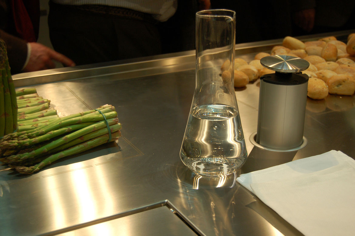 """Another shot of the Convivium kitchen at <a href=""""http://www.arclinea.com/"""">Arclinea</a>. In addition to the cooling area, rolls are kept piping hot on a warming platform. After a couple days of being on display at Salone, the rolls were rock hard...but t"""