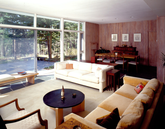 The Hoover House, the first Modernist American home to be built in Lincoln, Massachusetts, was also the first modern house to receive a preservation easement. The home is currently owned by Harry Hoover, the son of mid-century architect Henry B. Hoover.