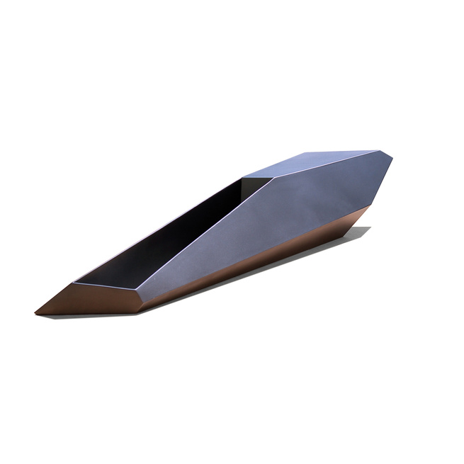 The geometric Shard Planter Bench is more than just planter or bench—it's a sculptural piece of art. Designed by Charles Constantine for Planterworx's Element collection, each Shard Planter Bench is custom made to the dimensions and specifications desired