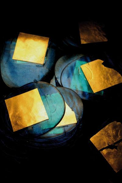 A jewel-toned pile of piastre di oro da spelare.