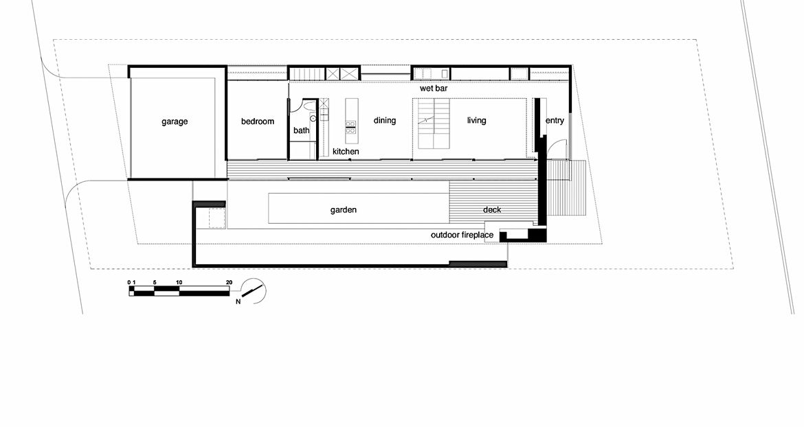 The simple rectangular floor plan keeps the interior program open on the first floor, with each zone flowing into the next, and maximizes the connection to the garden.