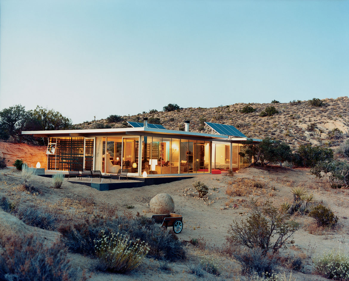 The iT House is an exploration of the couple's architectural ideas, built with the help of friends over many weekends away from Los Angeles. It brings the precise and the cool together with the wild and untamed.