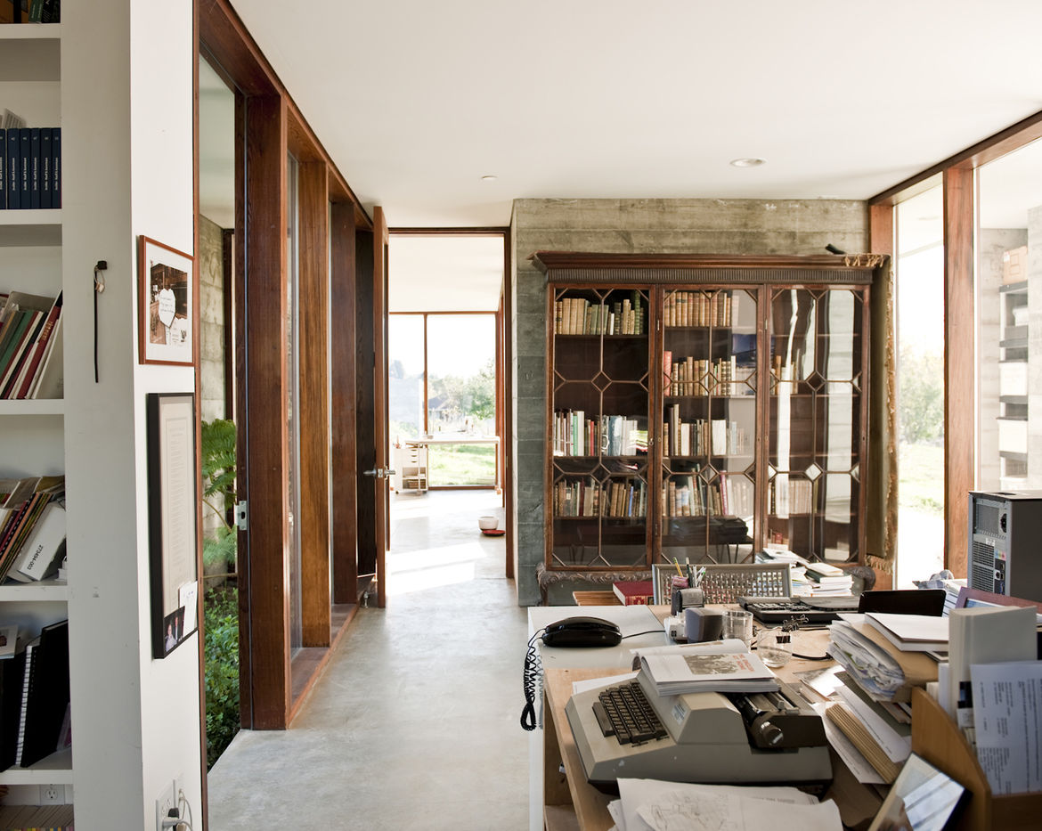 Throughout the house all storage areas are open, leaving crockery, dishware, food, books, and clothes in plain view.