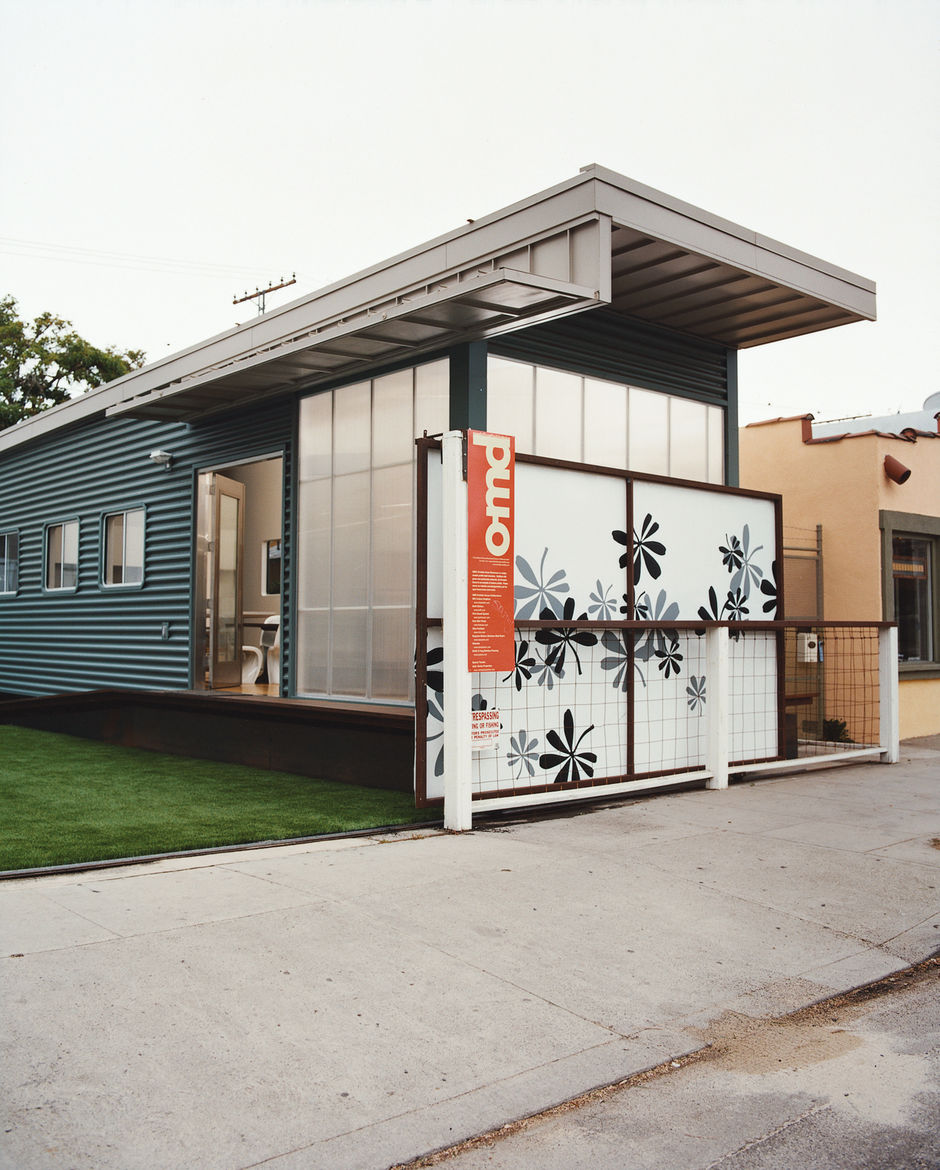 """Jennifer Siegal's other house is the portable ShowHouse, a 720-square-foot example of her factory-built prefab housing, wedged in among the boutiques and coffee bars on trendy Abbott Kinney Boulevard in Venice. """"I set it up so people would have a place to"""