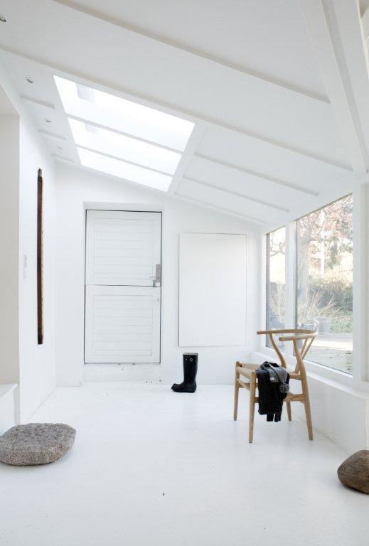 Front-door entrance area wide space