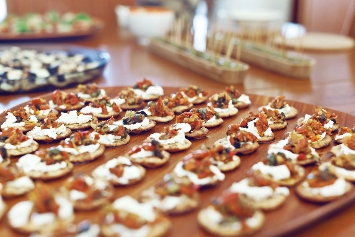 Plate of hors d'oeuvres