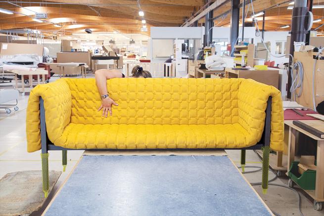 Ruche sofa process Inga Sempe for Ligne Roset