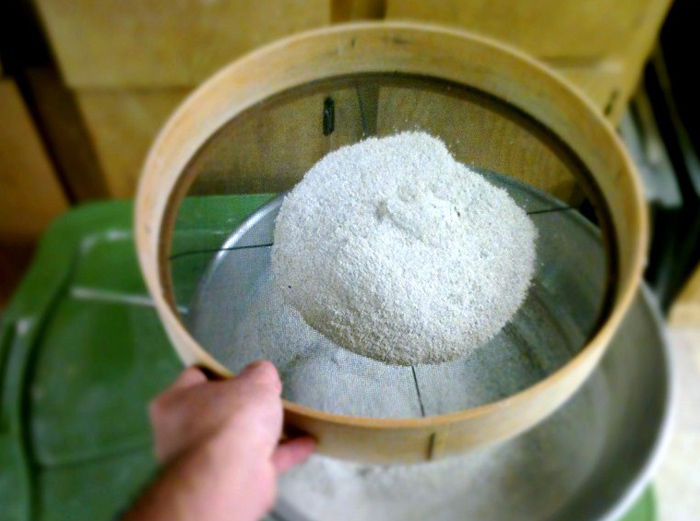 Ash collection for ceramic making