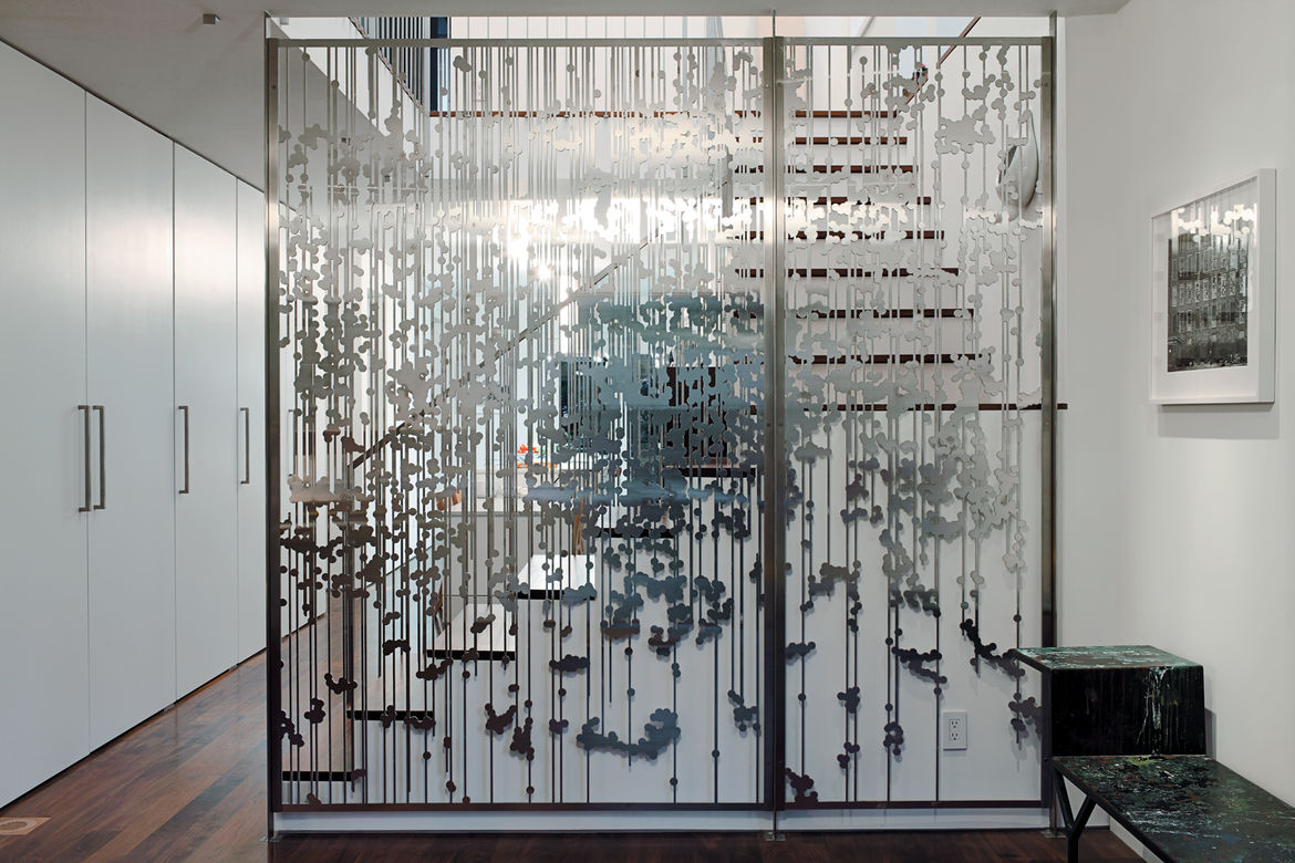 Aluminum screen divider
