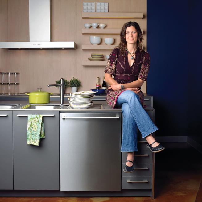 Ginny Evans's childhood chore was to empty the dishwasher. These days, once she's loaded one up, her job—–at least professionally—–is done. Evans graduated from the Natural Gourmet Institute for Health and Culinary Arts in New York City in early 2006 and