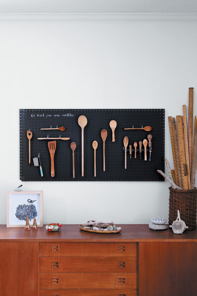 Black chalkboard pegboard by Margaret Oomen
