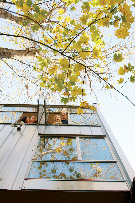 Modern Treehouse exterior in Seattle, Washington