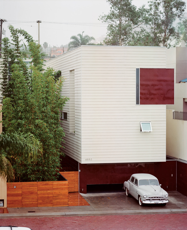 Modern home with light-weight steel framing system