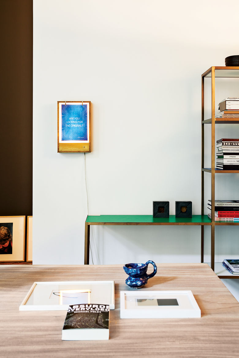 Art nook with bookshelf by Muller Van Severen