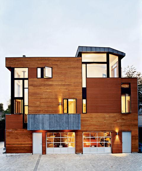 Valentine house exterior and garage