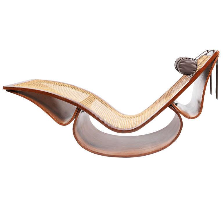 Rio chaise longue by Oscar Niemeyer
