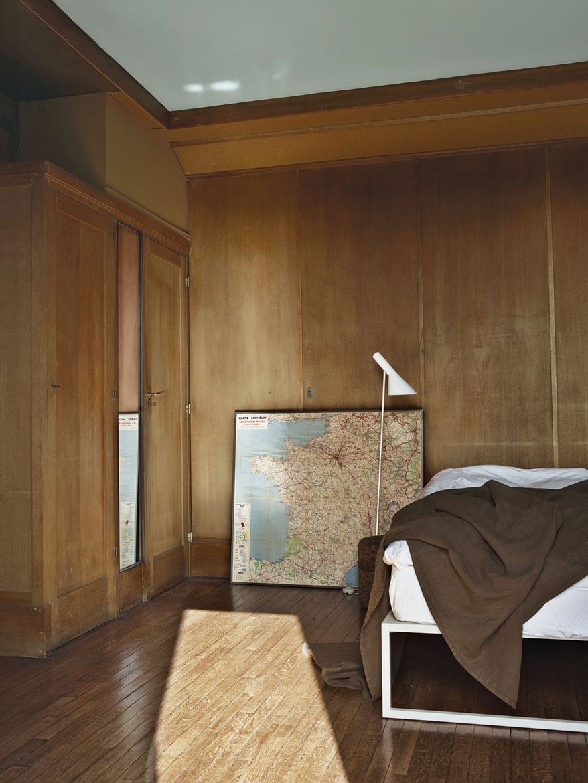 Modern wooden Parisian bedroom