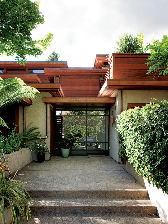 deam residence exterior porch