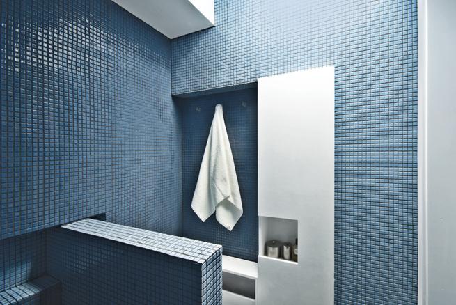 crown heights apartment brooklyn bathroom