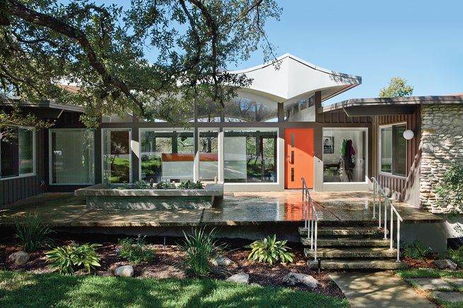 renovated modernist home in Austin exterior