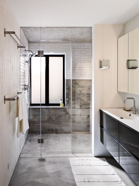 Torres Residence guest bathroom.