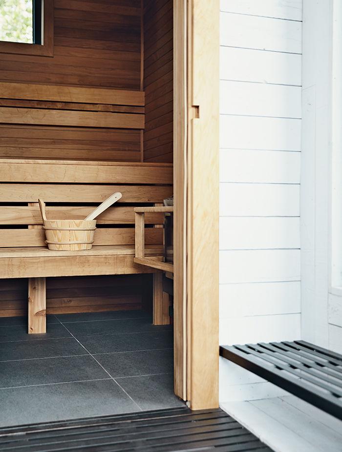 Montreal rooftop with cedar-lined sauna