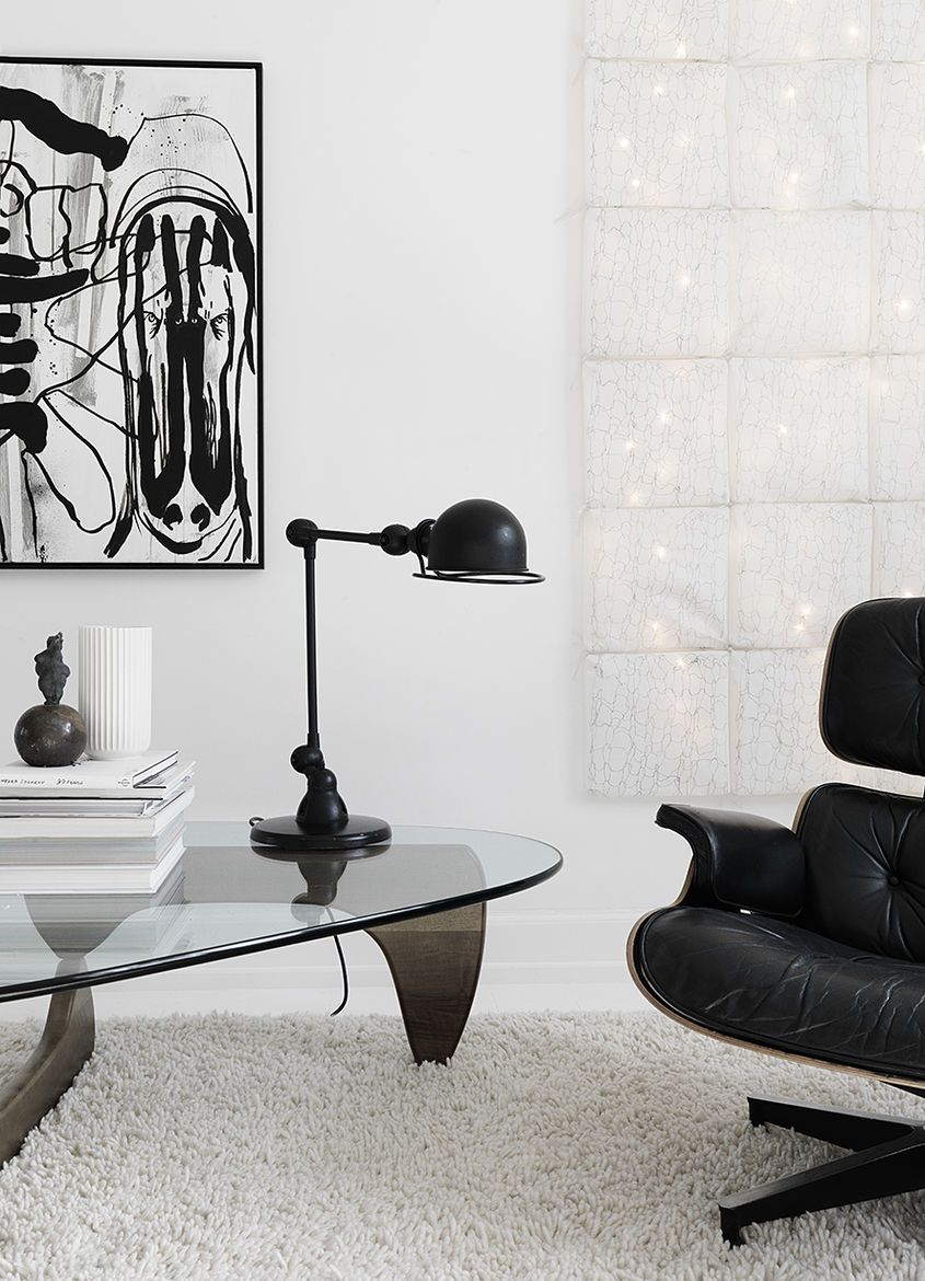 Vintage Herman Miller Chair and Isamu Nuguchi Table in Copenhagen Townhouse