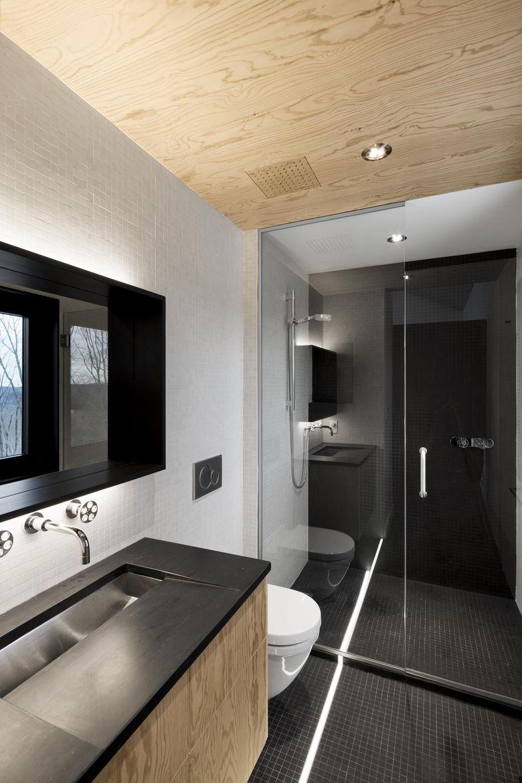 Bolton Residence Bathroom, Quebec