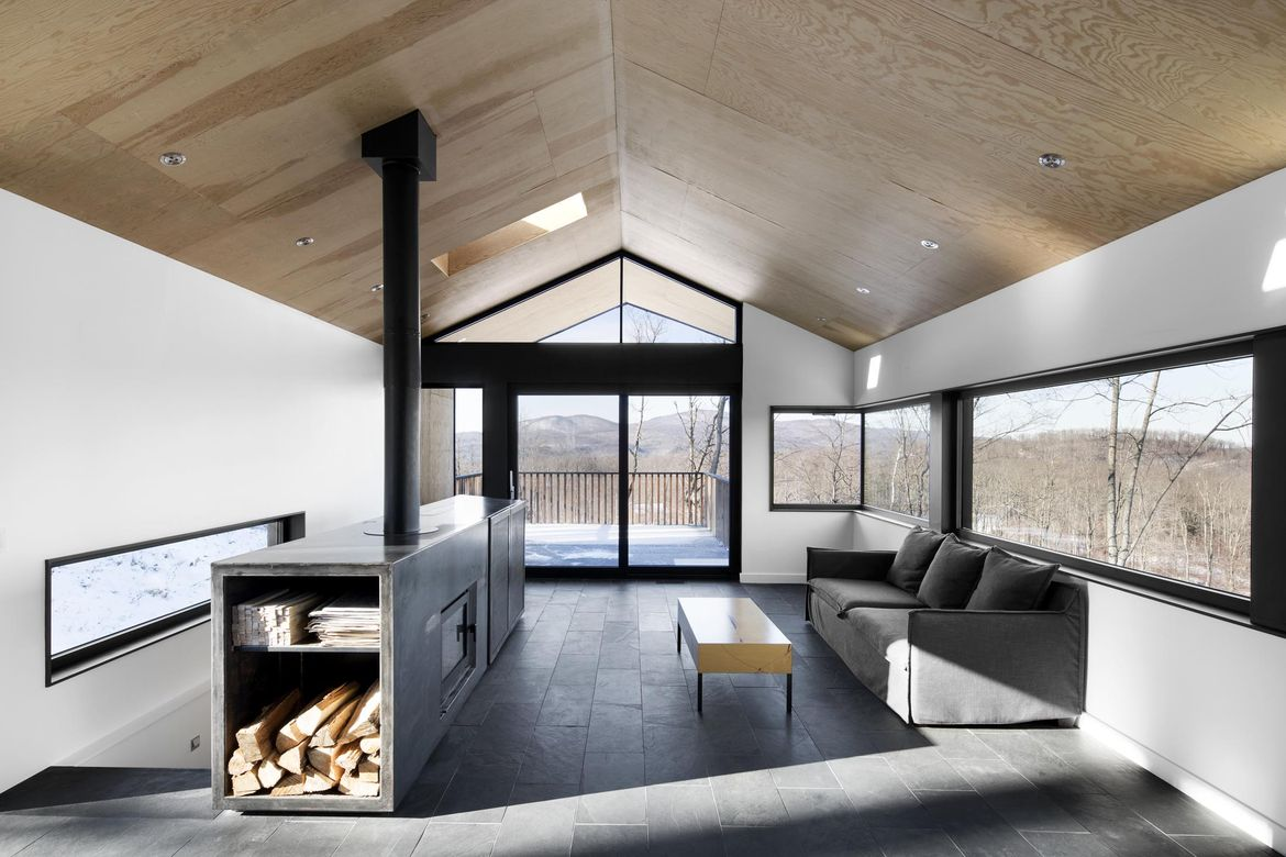 Bolton Residence Fireplace, Quebec