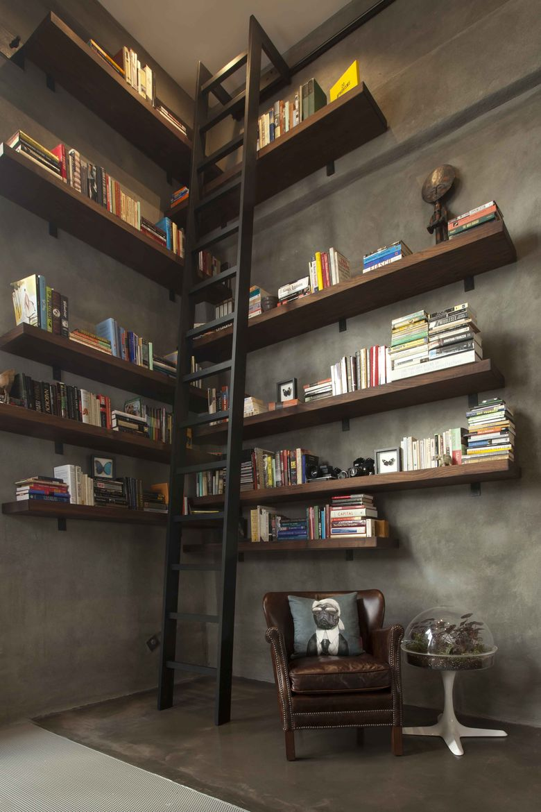 San Francisco loft with double-height library and ladder