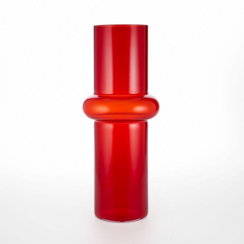 Elegant glass vase with circular indent