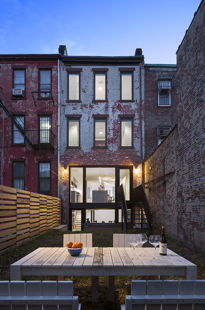 Brooklyn Tour Park Slope Townhouse rear facade and backyard.