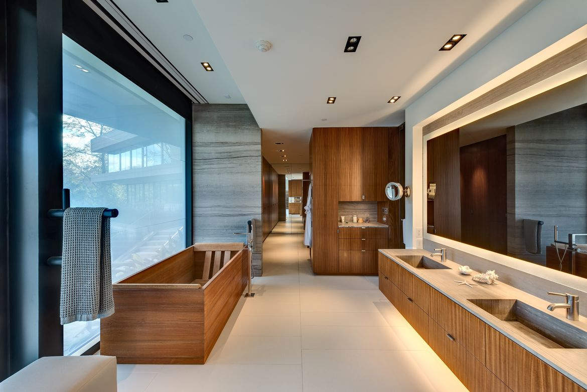 The bathroom of the House of Ki, the Texan estate designed by Stern and Bucek Architects