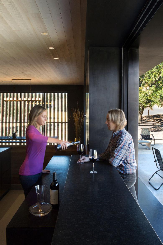 Indoor/outdoor wine tasting bar