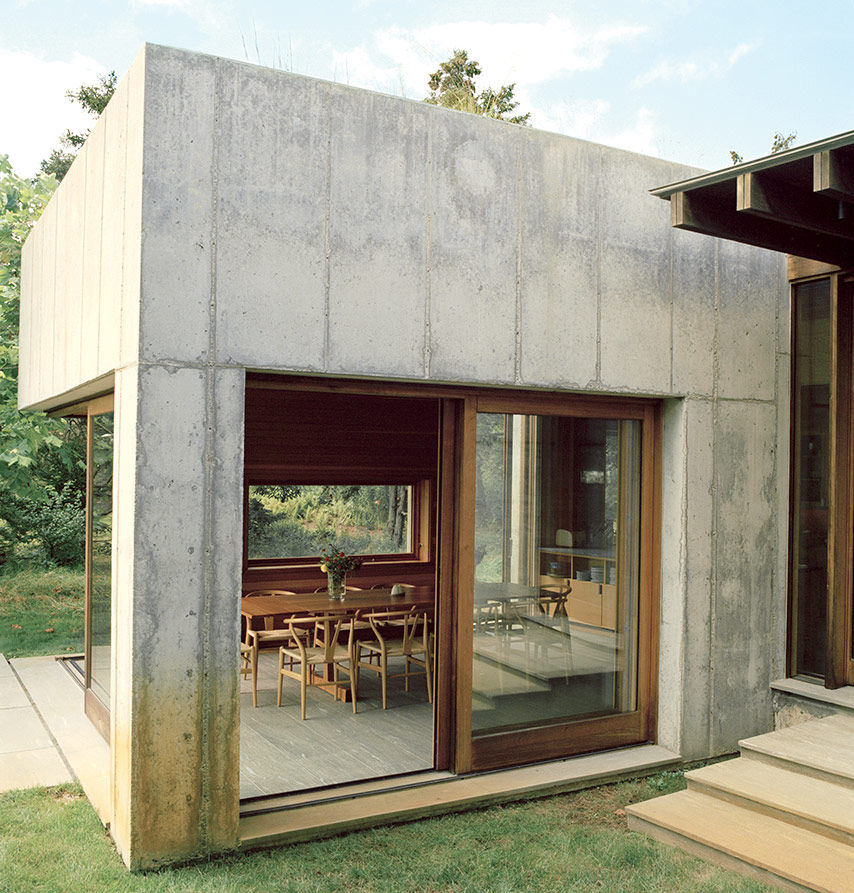 Martha's Vineyard prefab with a thick concrete facade