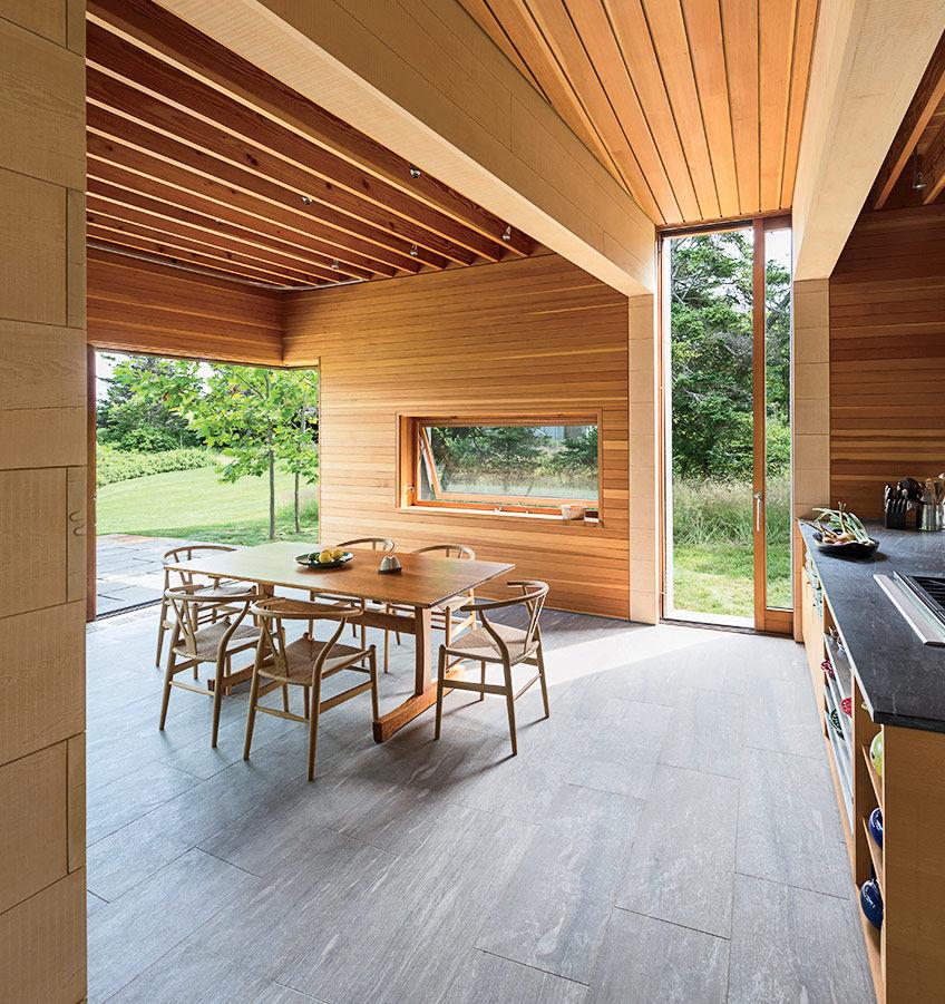 Martha's Vineyard prefab dining room with Wishbone chairs