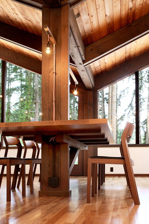 Japanese-Inspired Bainbridge Island house dining table column