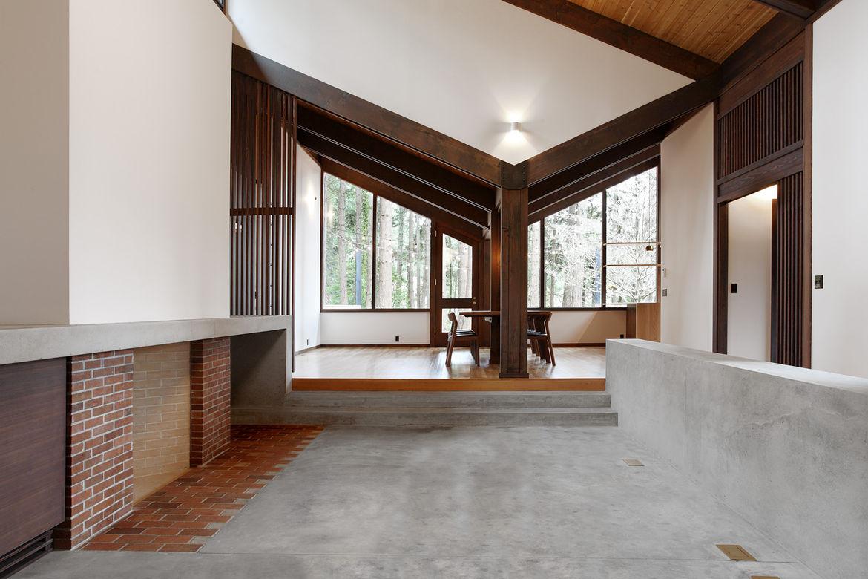 Japanese-Inspired Bainbridge Island house concrete hearth
