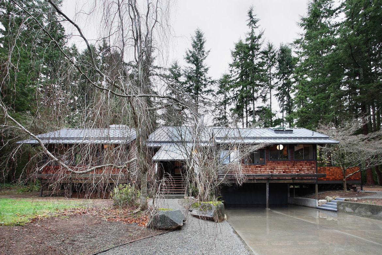 Japanese-Inspired Bainbridge Island house exterior