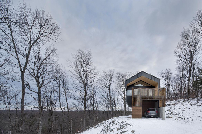 Bolton Residence Garage, Quebec