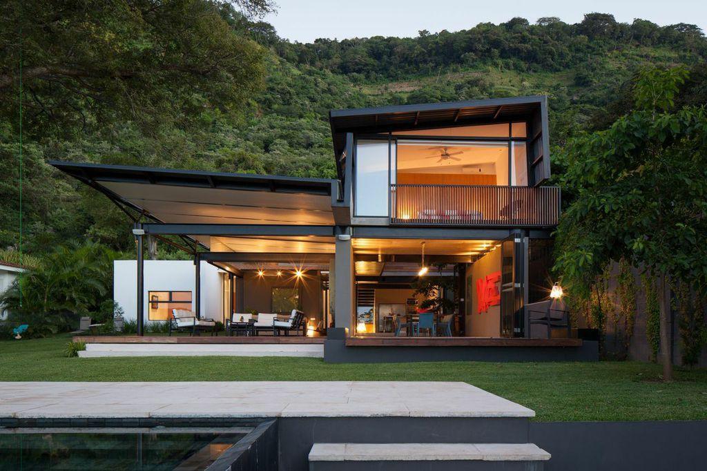 El Salvador retreat with indoor-outdoor living spaces